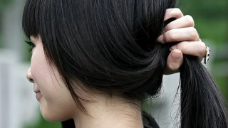 梅雨のくせ毛や天パ。湿気に負けない濡れ髪、ヘアスタイルキープ術